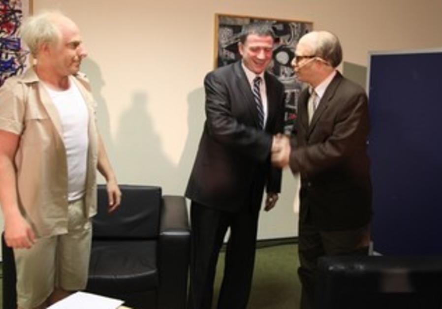 """Knesset speaker Yuli Edelstein with """"Menachem Begin"""" and """"David Ben-Gurion"""""""