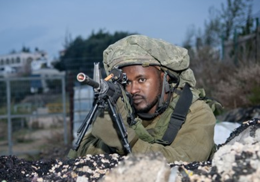 IDF paratroopers take part in a war drill in the north.