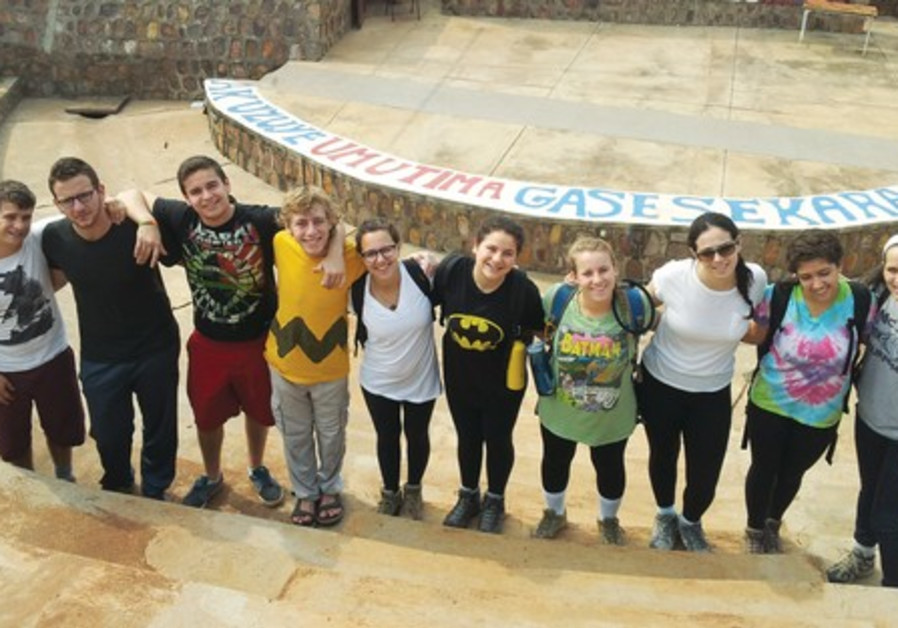 YOUNG JUDAEA volunteers on their week at the Agahozo-Shalom Youth Village with Yoni Merrin