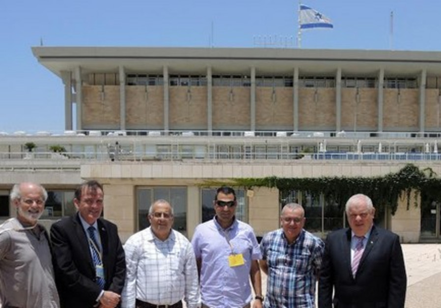 Green roof officials at Knesset.