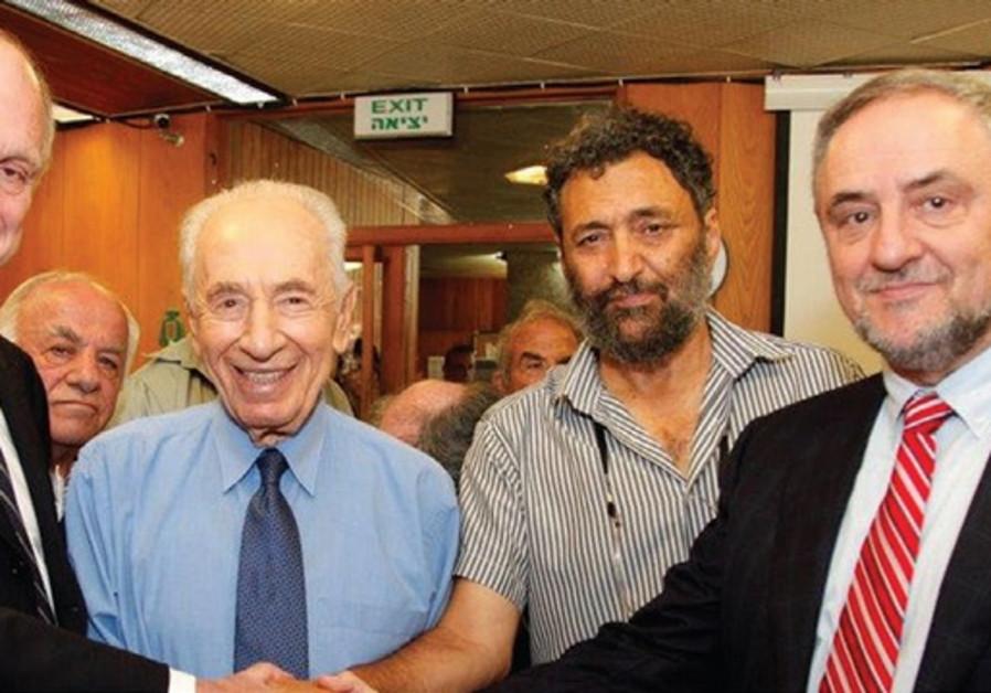 WORLD JEWISH CONGRESS President Ronald Lauder with President Shimon Peres, Yair Farjoun, head of the