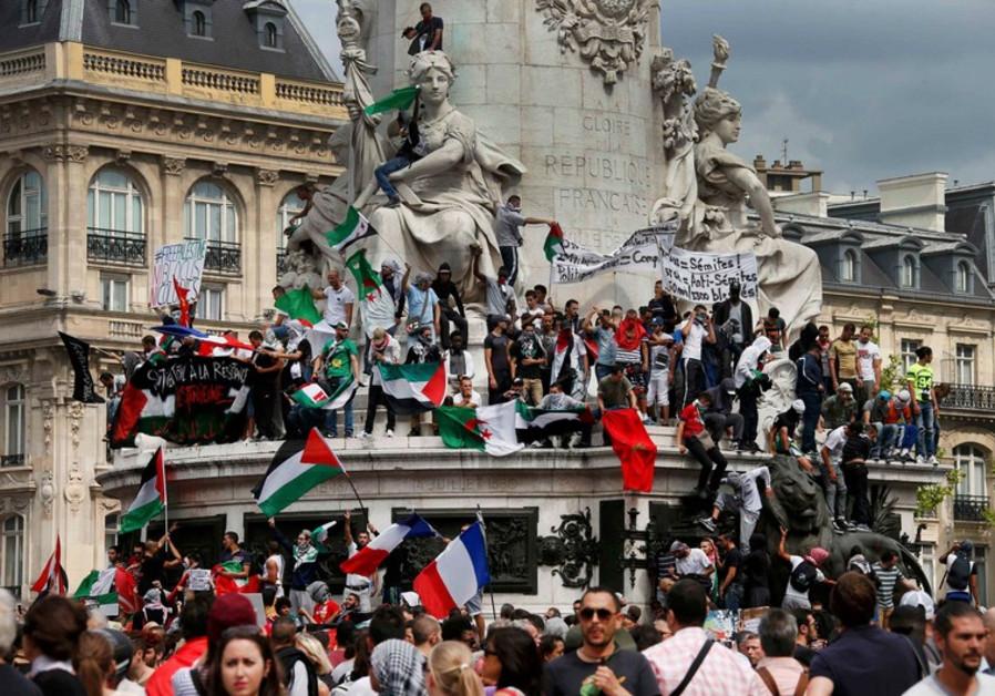 Protesters gather at Place de la Republique
