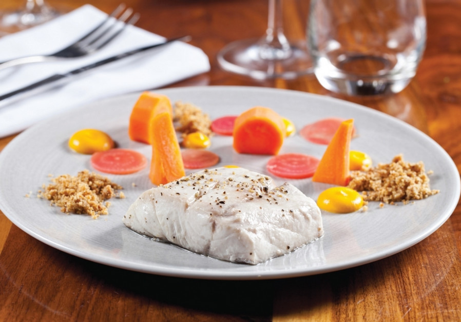 Steamed fish with carrots
