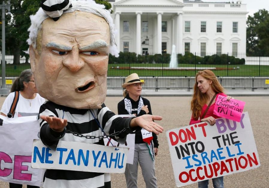 Protesters against Netanyahu