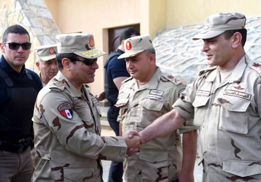 Al-Sisi in uniform making trip to Sinai