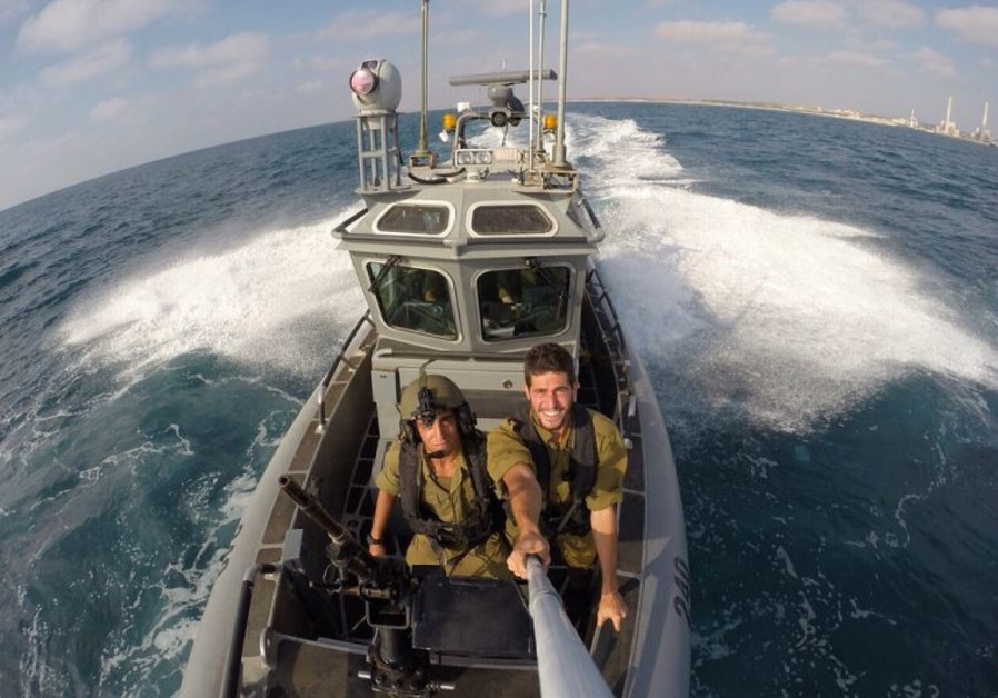 """Navy soldiers from the """"Snapir"""" Unit train for any encounter on the high seas"""