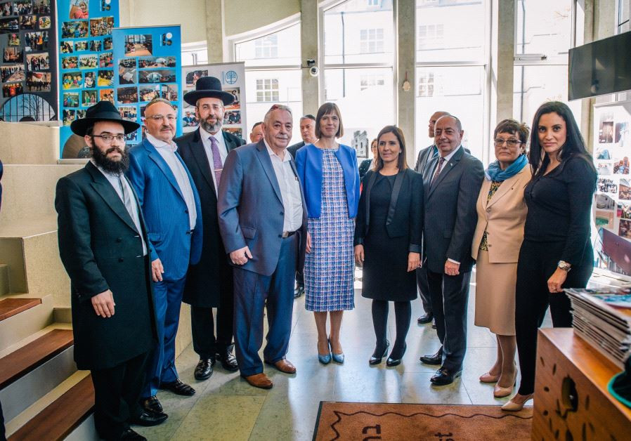 Estonian President Kersti Kaljulaid (center) pictured with other dignataries in the celebration of t