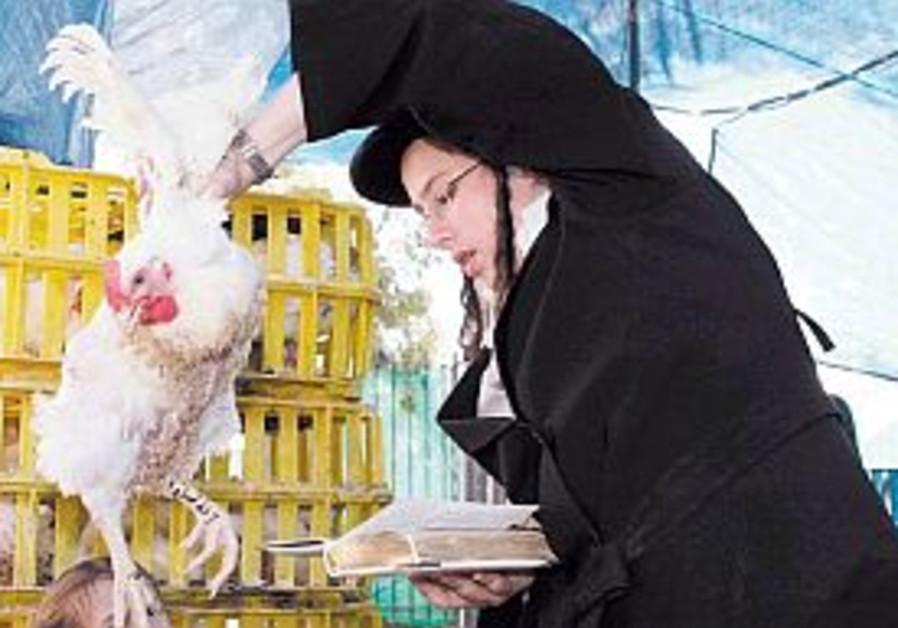 Senior rabbi speaks out against using fowl in kapparot