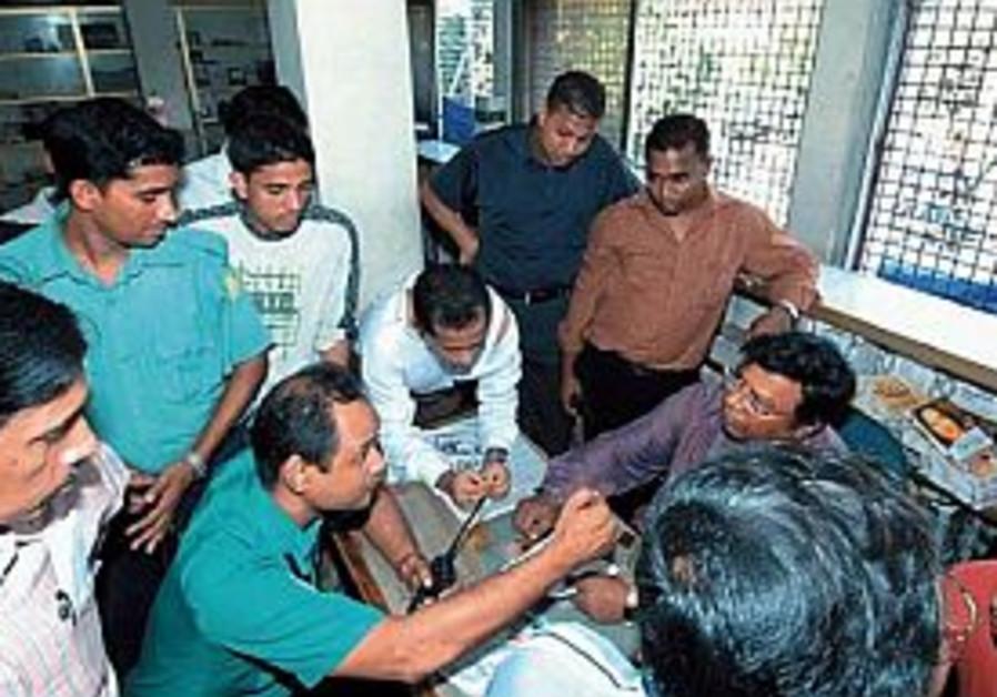 Pro-Israeli editor beaten in Bangladesh
