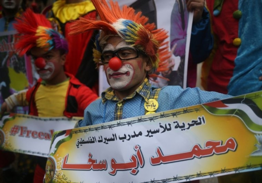Mohammad Abu Sakha's fellow clowns demontrasted in solidarity with their detained colleague